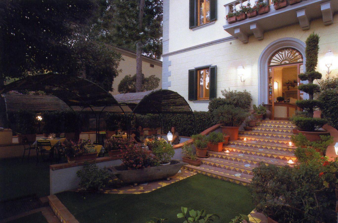 Hotel Leopoldo  Castiglioncello - Anbieter Giovenco