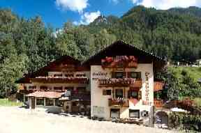 Hotel Pension Pizzeria Ortlerhof - Pension in der Region Trentino-S