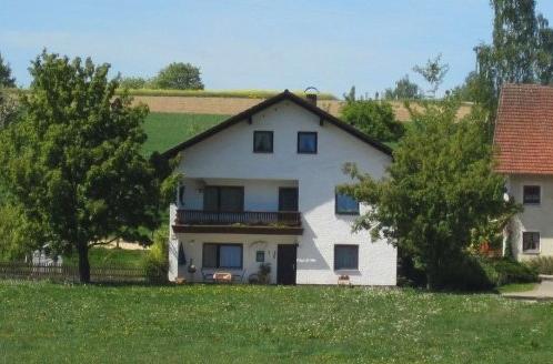 Ferienwohnung Bauernhof Gschwandnerhof Michelsneukirchen - Anbieter Dengler