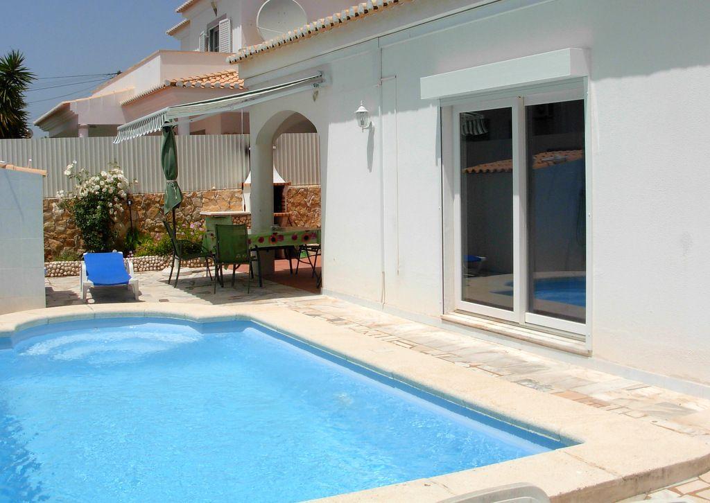 Ferienwohnung Vivenda Flandria mit Pool Alvor - Urb.da Quinta de S.Pedro 18 8500 Alvor - Anbieter Vanmeert Guido