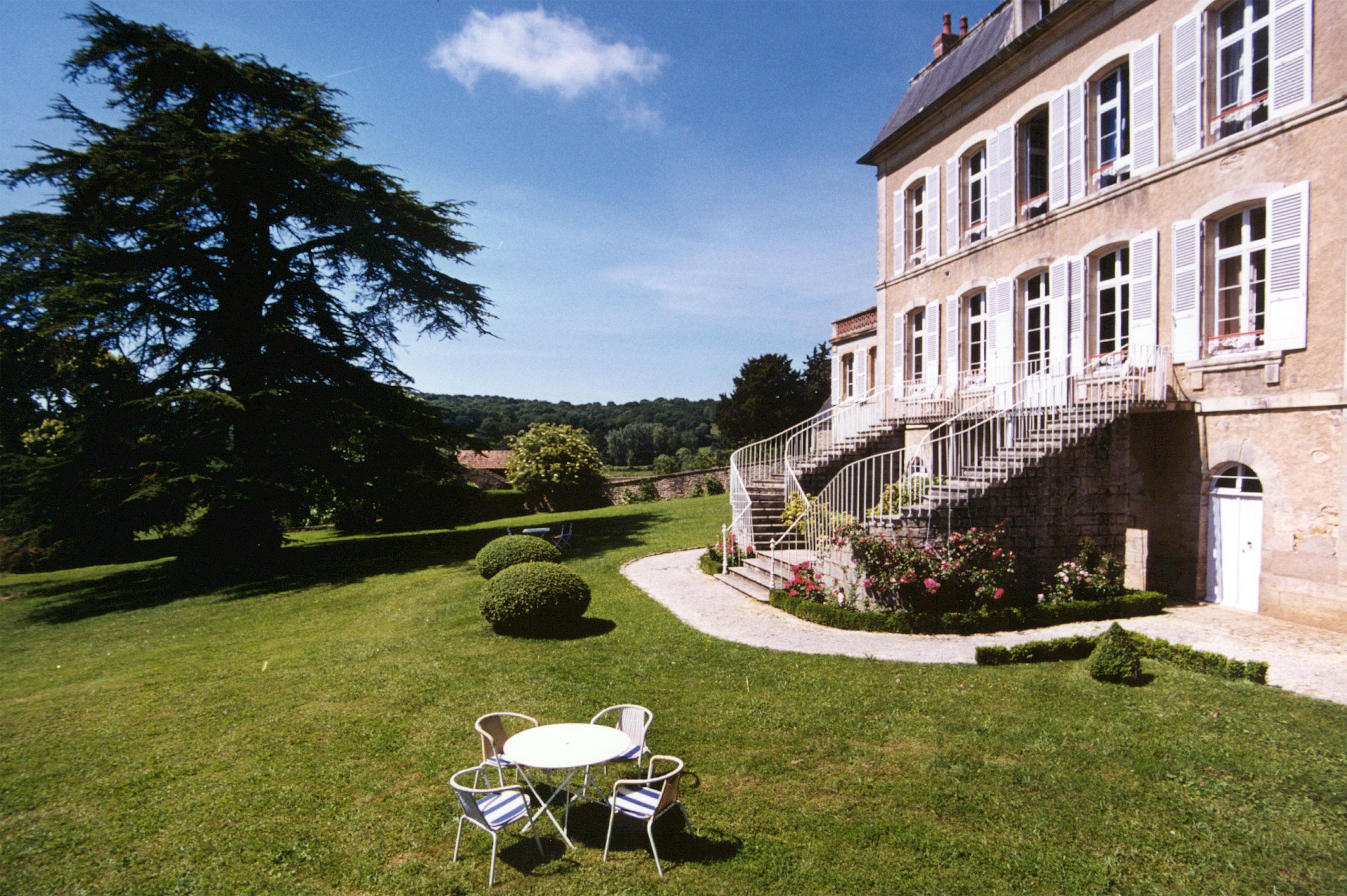 Gaestezimmer Gästezimmer und Ferienwohnung La Villa des Prés, Haus