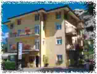 Hotel Garni Toresela - Hotel in Trentino-Südtirol